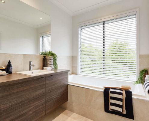 Granada Modern Bathroom