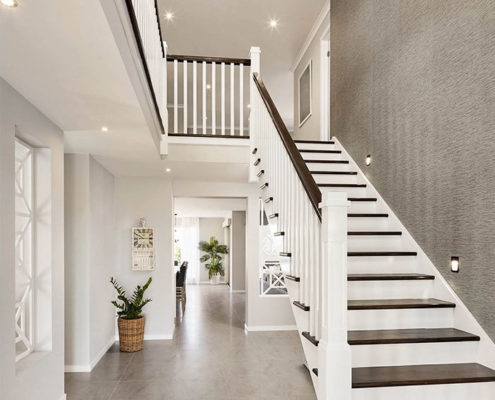 Modern house with stairs and a big ceiling | OMNI